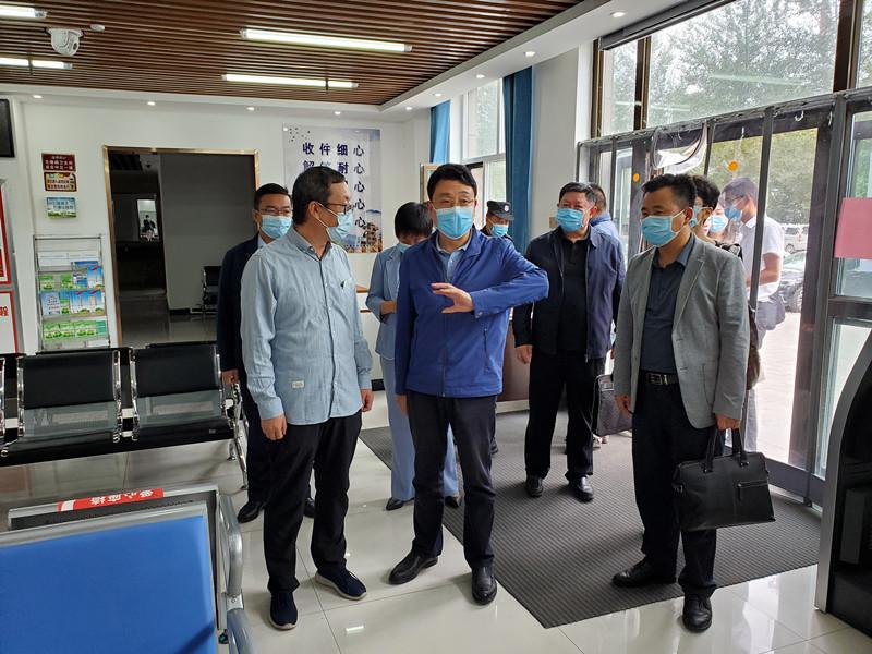 李永平局长赴海东市调研医保工作