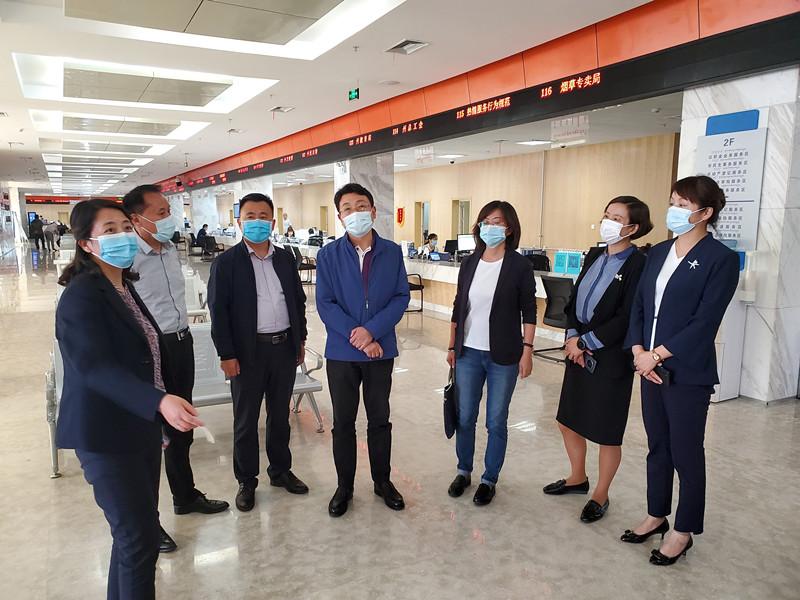 李永平局长赴海西州调研医疗保障工作