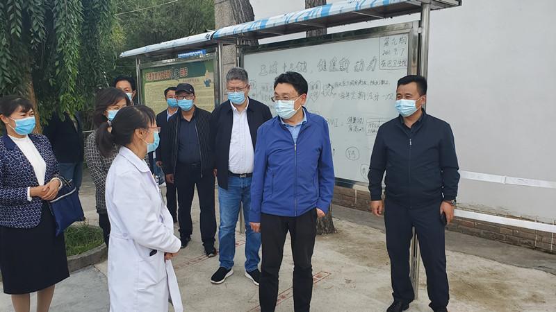 李永平局长赴海南州调研医保工作